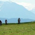 Radfahren am See, blick Untersberg